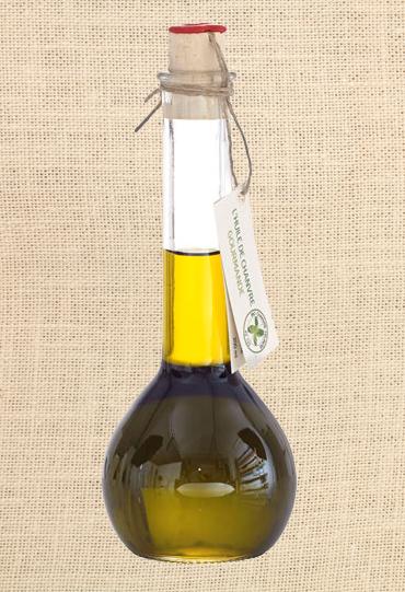 """""""L'huile de Chanvre"""" huile végétale la plus équilibré en omega, riche en acides gras poly insaturés, entretient le système cardio vasculaire et digestif."""